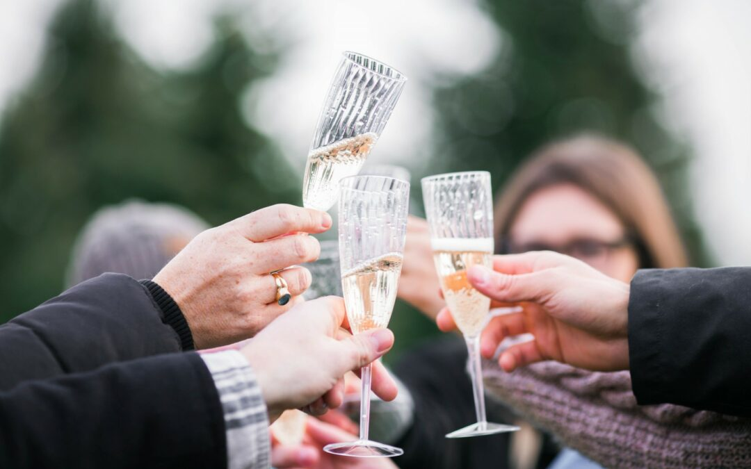 How To Best Serve Your Champagne